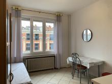 Residence-1 pl du Hainaut-Studio en hyper centre, chauffage compris, ideals etudiants.