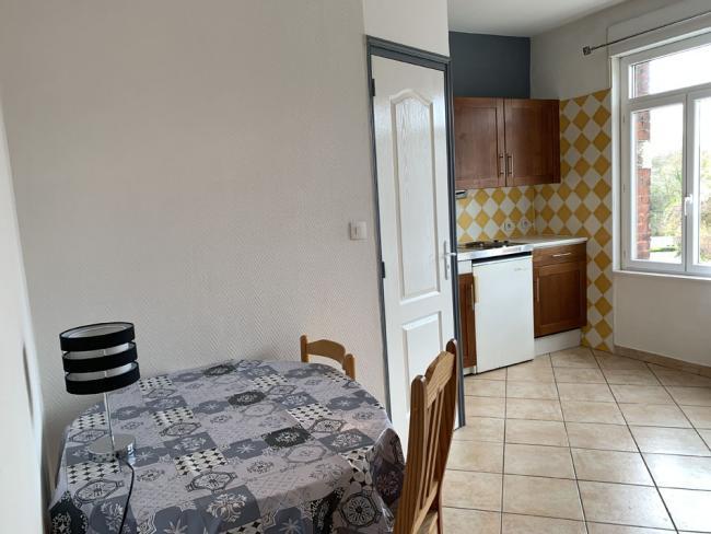 StudiospacieuxgareSNCFcentrevilleuniversites-Residence-24avdusenateurGirard-Studio