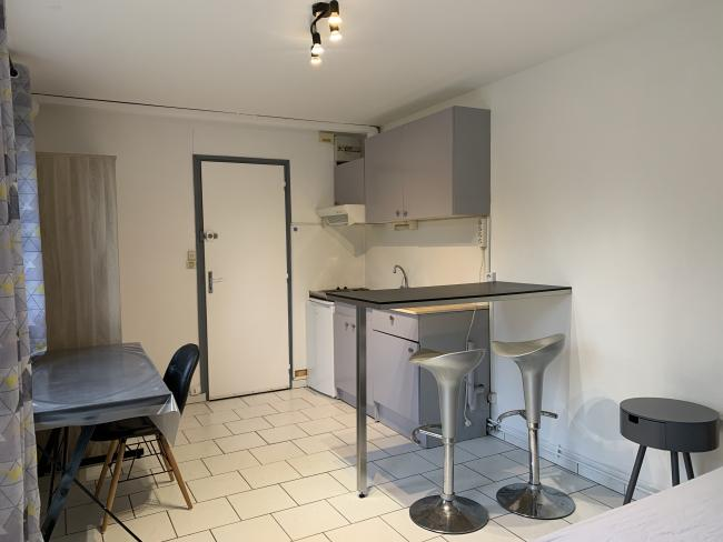 ProchejardindelaRhonelleidealetudiantdeluniversiteduMontHouy-Residence-10ruedelatredeGertrude-Studio