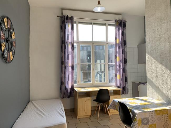 AdeuxpasdelaGareSNCFgrandeluminosite-Residence-24avdusenateurGirard-Studio
