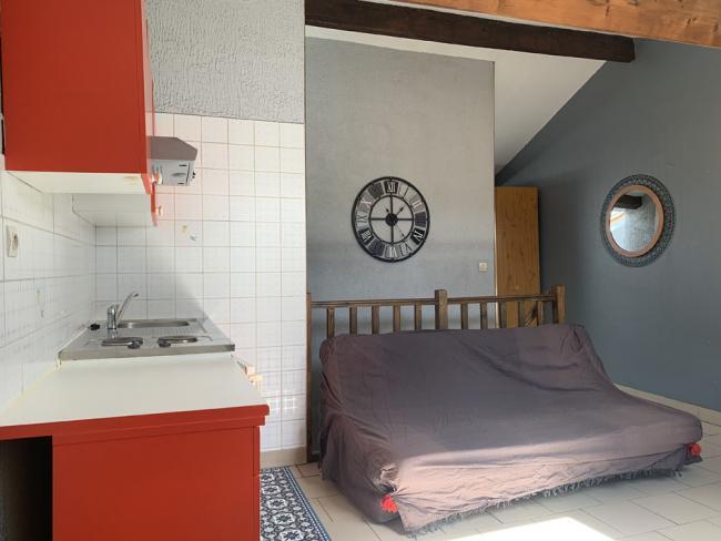 Type2adeuxpasdelagareSNCFidealetudiantsjeunessalaries-Residence-24avdusenateurGirard-Studio