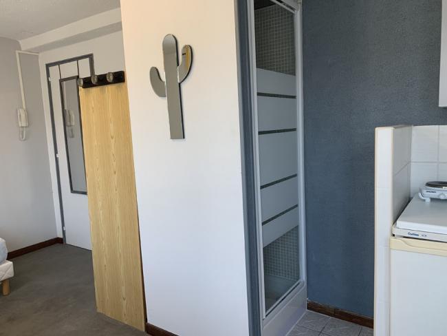 StudioidealetudiantprepaWallon-Residence-2quaterruedelabbeSenez-Studio