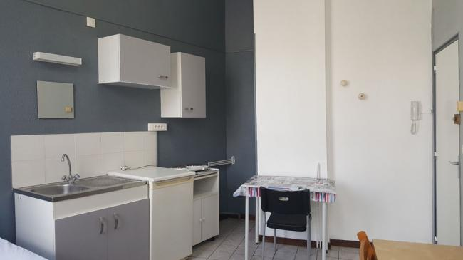 StudiospacieuxproximitegareSNCFetcentreville-Residence-2quaterruedelabbeSenez-Studio