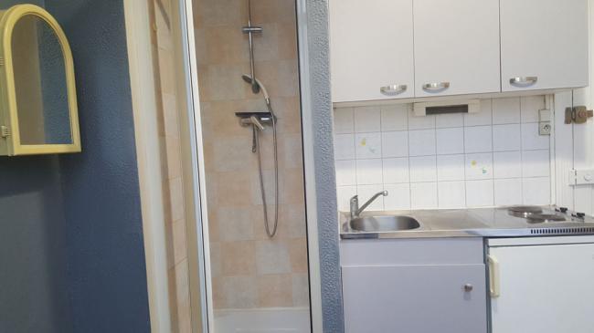 Studioidealetudiantemplacementideal-Residence-8avdusenateurGirard-Studette